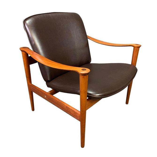 Vintage Scandinavian Mid Century Modern Teak Lounge Chair Model 711 by Fredrik Kayser by AymerickModern