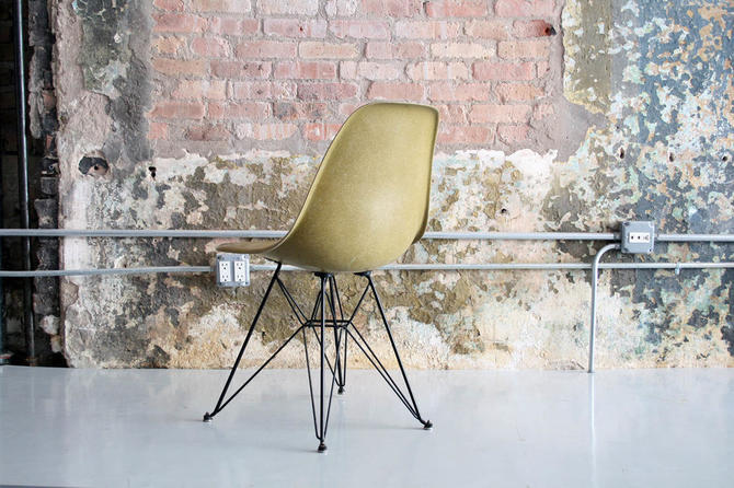 Eames for Herman Miller Eiffel Chair in Rare Contract Color