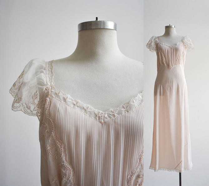 1950s Long Pale Pink Nightgown by milkandice