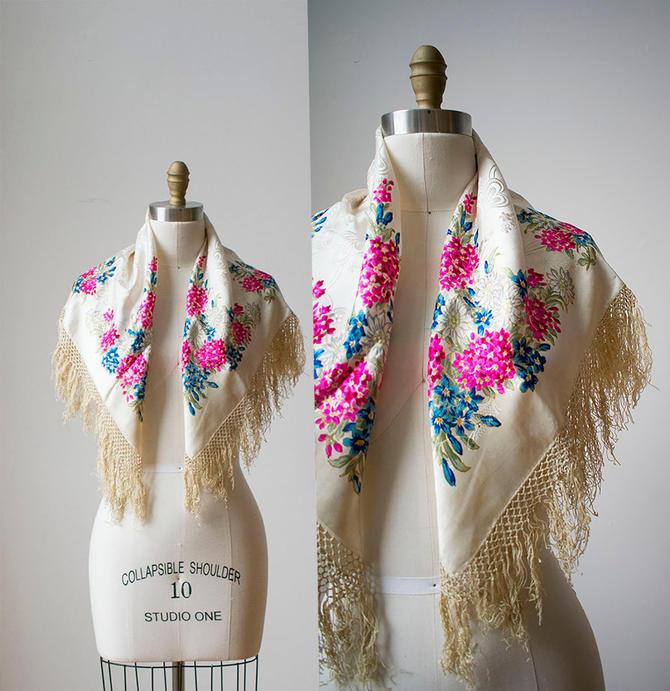 Small Floral Shawl / Small Victorian Silk Scarf / Fringed Scarf / Floral Scarf / Silk Scarf / Bohemian Scarf / Bohemian Shawl by milkandice