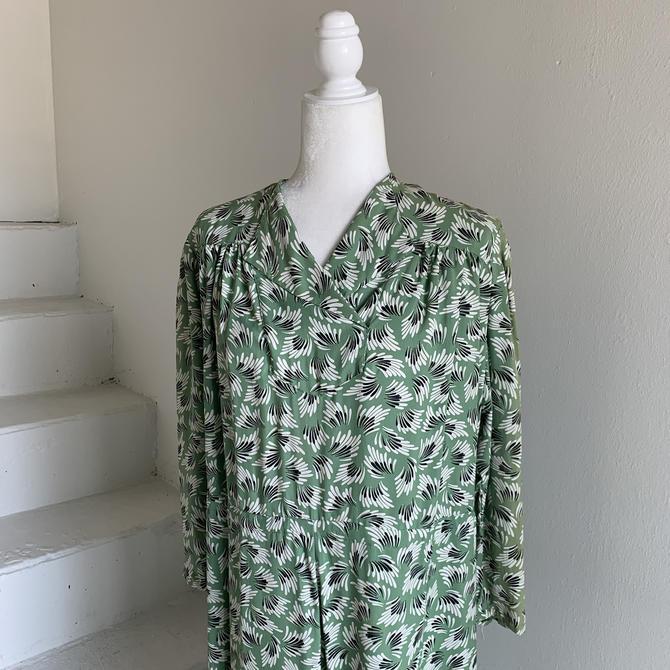 1930s Rayon Print Dress Green Leafy Print 42 Bust Vintage by AmalgamatedShop