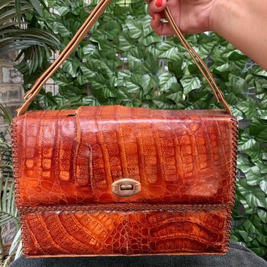 Brown Leather Purse by krispyfringe