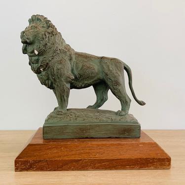 Vintage Chicago Art Institute Lion Sculpture by Alva Museum Replicas circa 1980 by DelveChicago