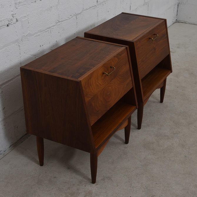 Pair of Mid Century Walnut Slanted Front Nightstands / End Tables