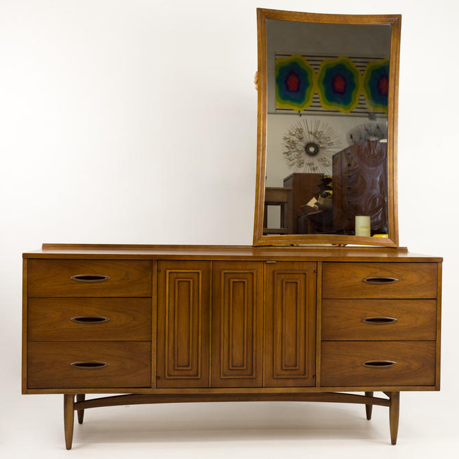 Broyhill Sculptra Lowboy Dresser with optional mirror by ModernHill