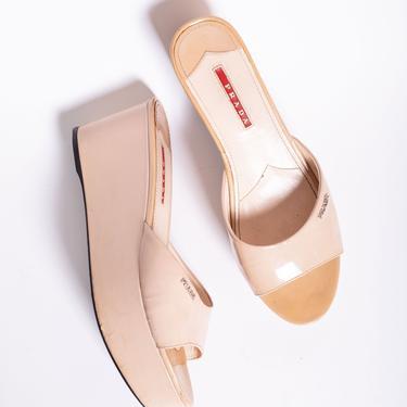 Vintage PRADA Cream Patent Leather + Logo Wedges 3z 39 9 Minimal Taupe Platform Shoes Y2K Monogram by backroomclothing