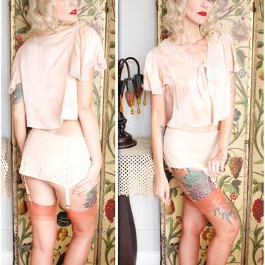 1930s Bed Jacket // Peachy Pink Silk Bed Jacket // vintage 30s bed jacket by dethrosevintage