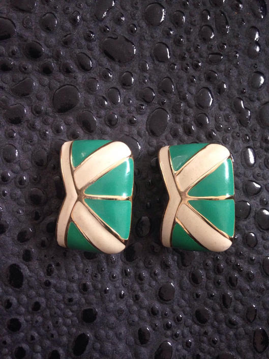 Vintage Stud Earrings by BTvintageclothes