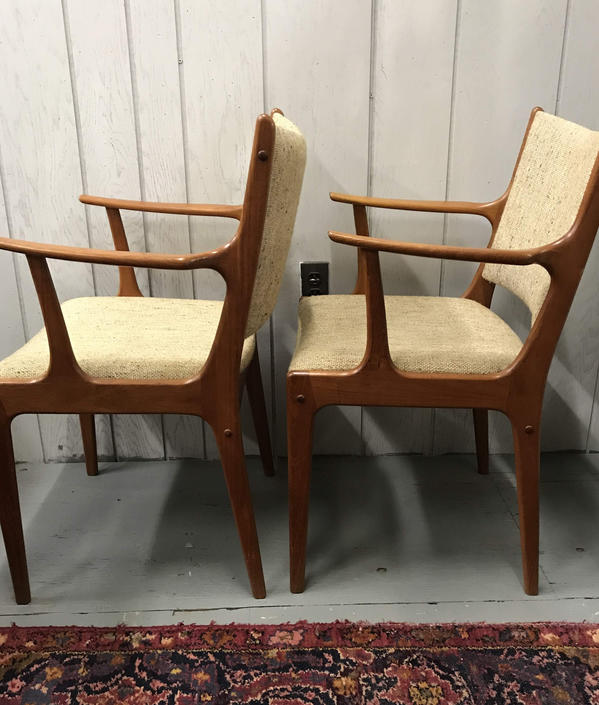 Pair of Johannes Andersen for Uldum Mobelfabrik Danish Teak Dining Arm Chairs by UrbanInteriorsBalt