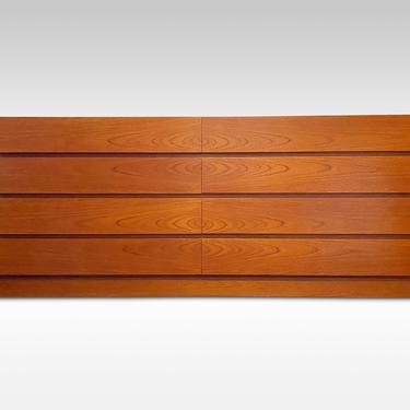 Arne Wahl Iversen for Vinde Mobelfabrik Teak 8 Drawer Dresser, Circa 1970s - Please ask for a shipping quote before you buy. by CoolCatVintagePA