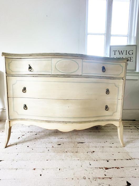 Sweet Vintage Dresser