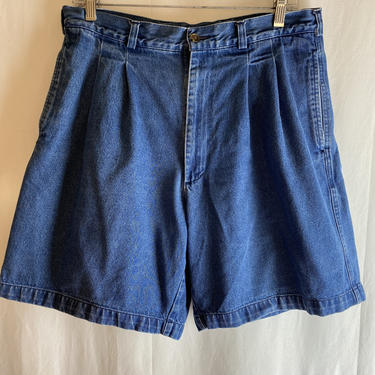 """Vintage 90's Mom jeans~ Denim high waisted~ pleated shorts~ faded blue~ plus size 34"""" waist by HattiesVintagePDX"""