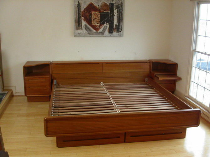 Queen Danish Modern Teak Platform Bed STORAGE DRAWERS Nightstand Dyrlund Torring