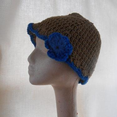 So Stylish Vintage Handmade Crocheted Beanie Hat Cap with Flower by kissmyattvintage