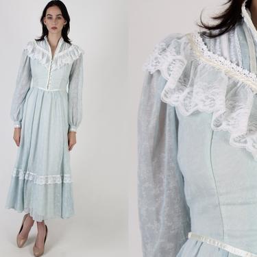 Gunne Sax Baby Blue Maxi Dress / 1970s Jessica McClintock Dress / 70s Renaissance Lace Tiered Romantic Dress Size 9 by americanarchive