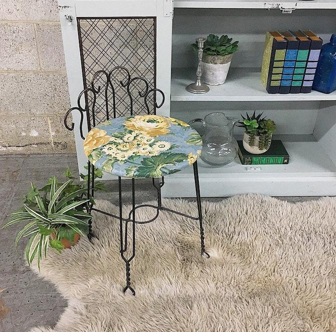 LOCAL PICKUP ONLY ------------- Vintage Vanity Chair by RetrospectVintage215