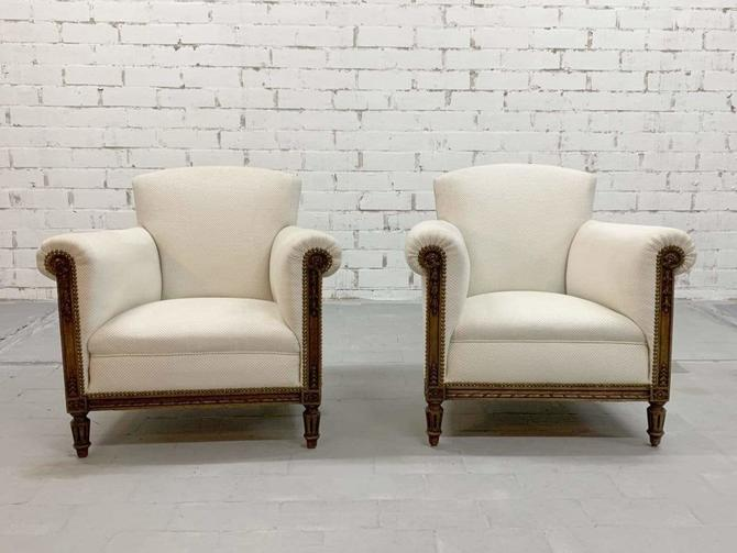 Pair of Vintage Mid Century 1970s White Lounge Chairs Fauteuils for Upholstery