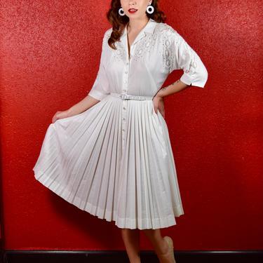 1960s White Lace & Cotton Blend Shirtwaist by THEGIRLCANTHELPITUSA