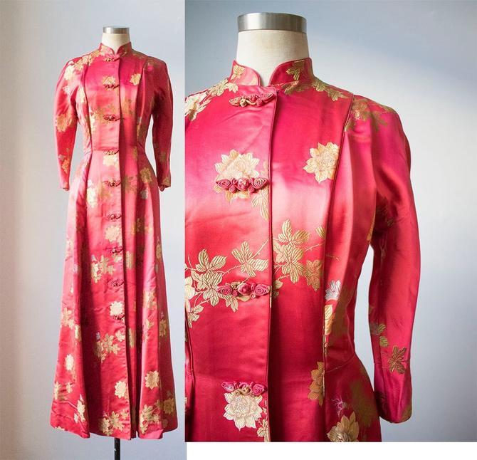 Vintage Kimono Dress / Kimono Robe / Vintage Japanese Cloak / Silk Kimono Dress / Pink Kimono Dress / 1940s Eveningwear / Dressing Robe by milkandice