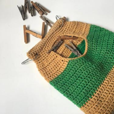 Clothespin bag and clothespins - vintage crocheted laundry helper by NextStageVintage