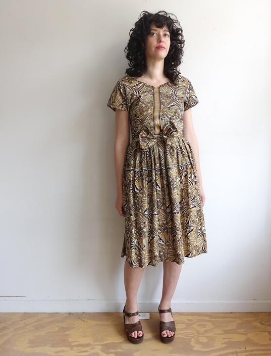 Vintage 50s Cotton Batik Day Dress/ 1950s Tiki Summer Dress with Cap Sleeves/ Rockabilly/ Polynesian/ Size Medium by bottleofbread