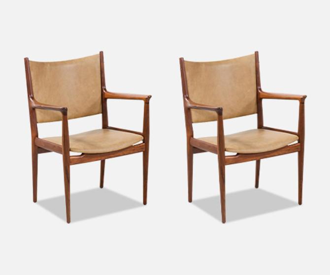 Hans J. Wegner JH-509 Walnut & Leather Arm Chairs for Johannes Hansen