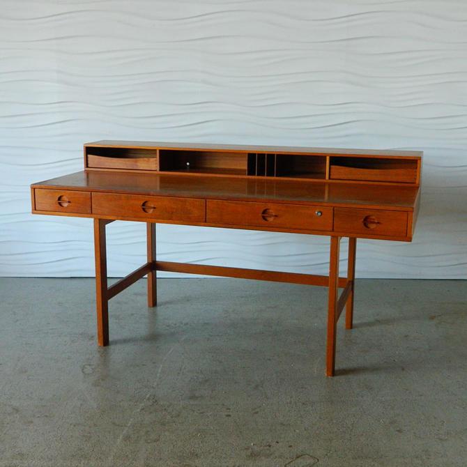 HA-18117B Teak Lovig Desk