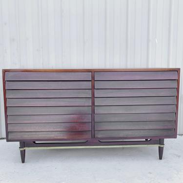 Mid-Century Modern Dresser by American of Martinsville by secondhandstory