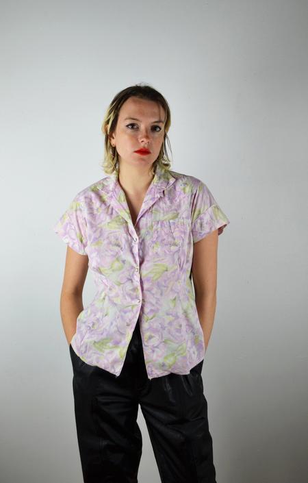 Vintage 50s Womens Western Shirt / Vintage 1950s Floral Western Shirt / 1960s 60s Womens Western Blouse/ Purple White Floral/ Pearl Snaps by ErraticStaticVintage