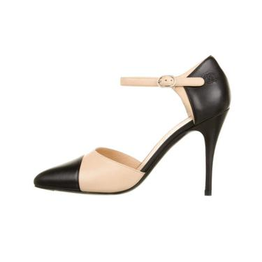 Vintage CHANEL CC Logo Mary Janes Black Beige Cap Toe Leather Heels Pumps Shoes 38.5 / 7.5 - 8 - MINT by MoonStoneVintageLA