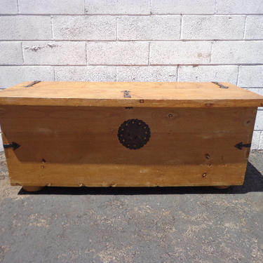Trunk Hope Chest Primitive Coffee Table Storage Chest Antique Metal Rustic Hinged Top Wood Bench Foot of Bed Storage Locker Bohemian Boho by DejaVuDecors