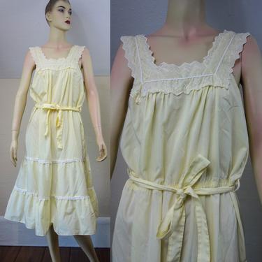 Vintage pastel yellow prairie sundress size medium, 70s cottagecore lightweight hippie tiered apron dress with lace, tie belt, elastic waist by forestfathers