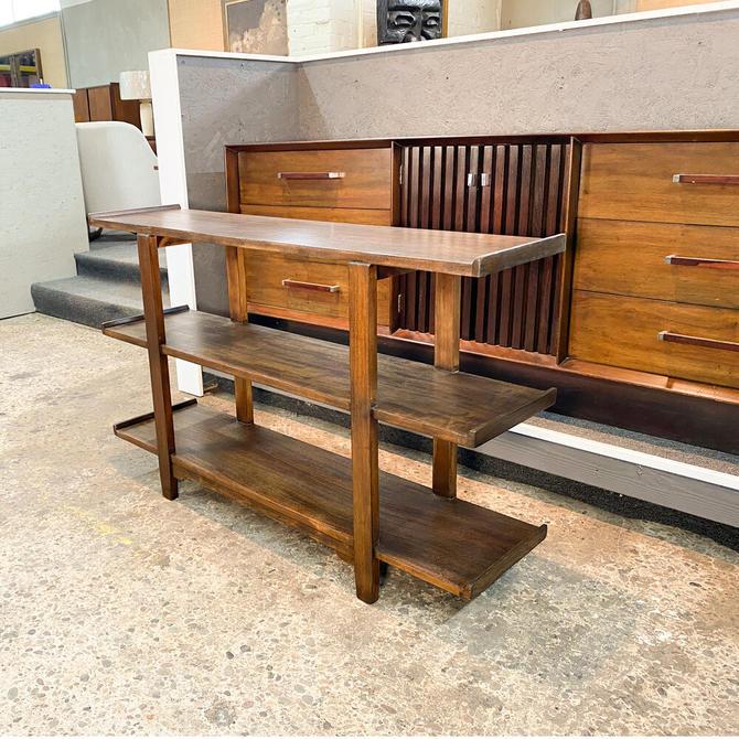 Three-tier walnut shelf