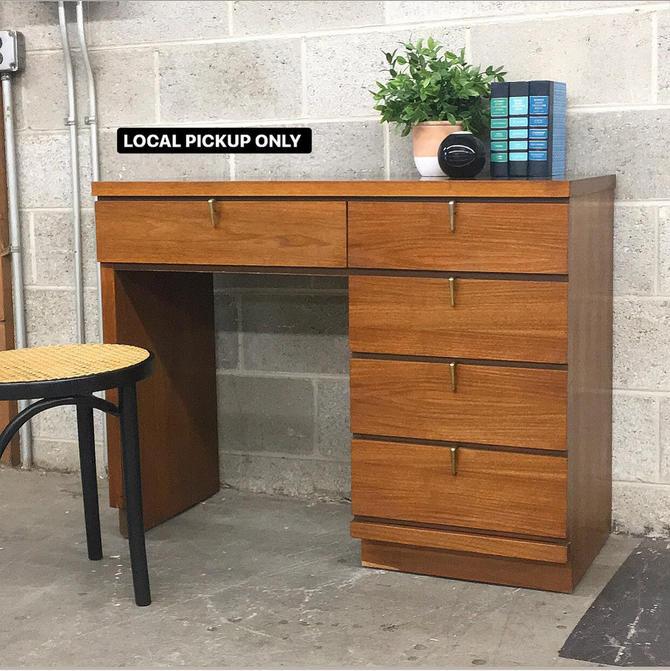 LOCAL PICKUP ONLY ———— Vintage Desk by RetrospectVintage215