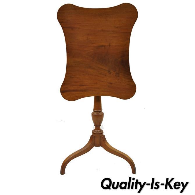 Antique 19th C English Sheraton Mahogany Tilt Top Tea Table with Shaped Edge Top