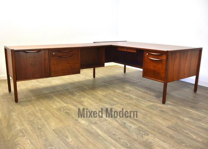 Jens Risom L Shaped Office Desk by mixedmodern1