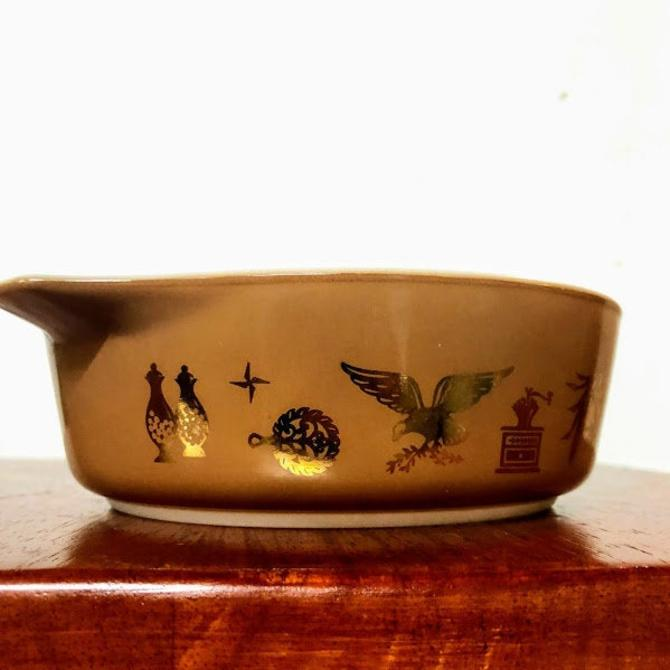 Vintage Pyrex Early American Cinderella Round Casserole 471 by OverTheYearsFinds