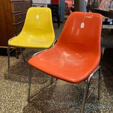 """Vintage school chairs! 20"""" x 15"""" x 30"""" seat height 16.5"""""""