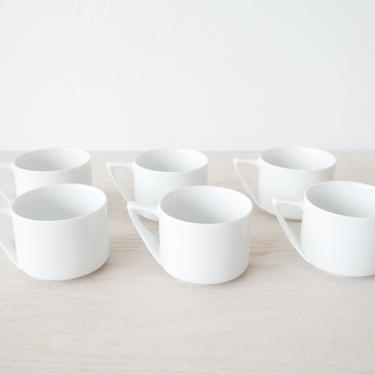 Set of 12 Porcelain Mugs