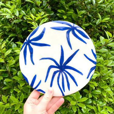 Ceramic Trivet - 6 inch - Botanical Spider Plant Hand-painted Design in Cobalt Blue and White - Leaf-Pattern Hotplate by BirdstoneCeramics