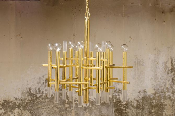 Sciolari Chandelier in Polished Brass and Lucite by QueensMCM