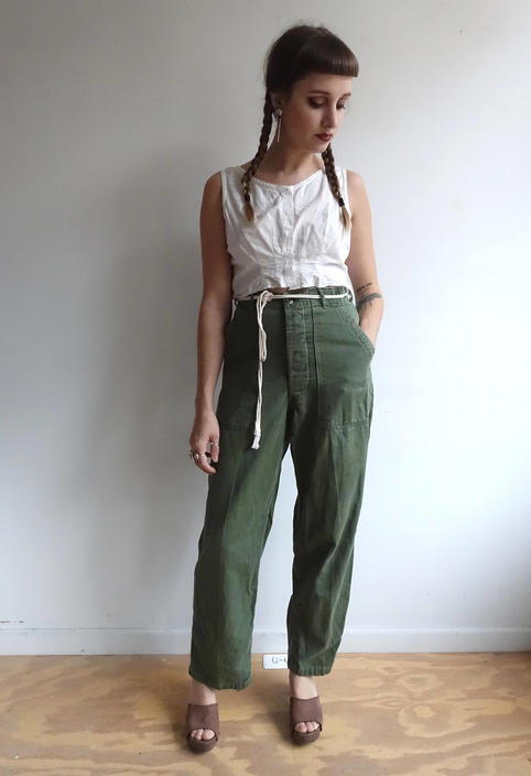Vintage 60s OG 107 Army Green Utility Trousers/ Vietnam Era/Button Fly/ Sateen Cargo/ Size 28 by bottleofbread