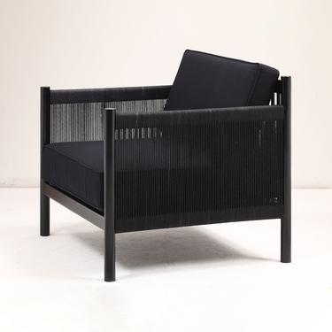 Varia Lounge Chair