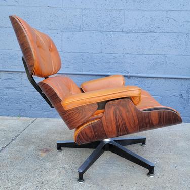 Eames Early 670 Lounge Chair by JanakosAndCompany