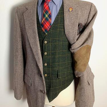 Vintage HARRIS TWEED Wool Blazer ~ 44 R ~ Herringbone jacket / sport coat ~ Elbow Patches ~ Preppy / Ivy Style / Trad ~ Donegal by SparrowsAndWolves