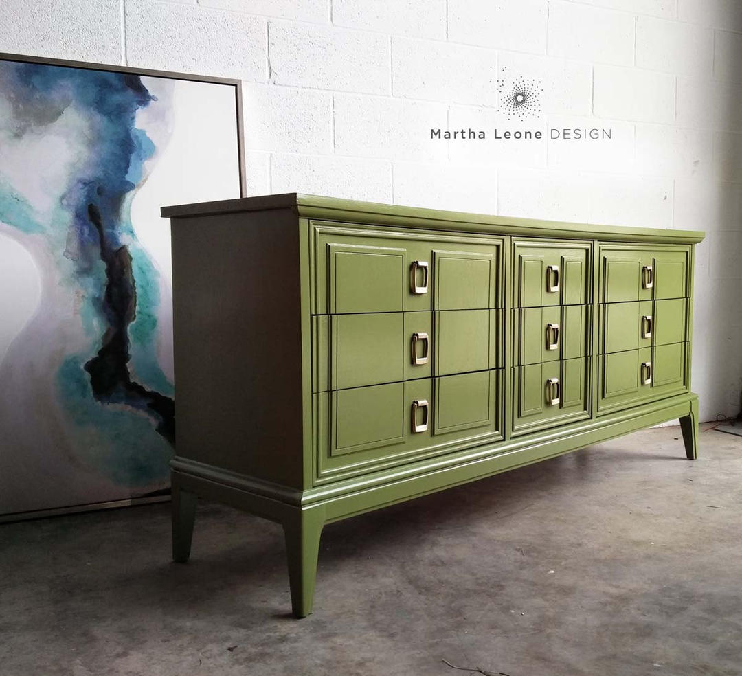 Mid Century Triple Dresser Hollywood Regency Dresser From