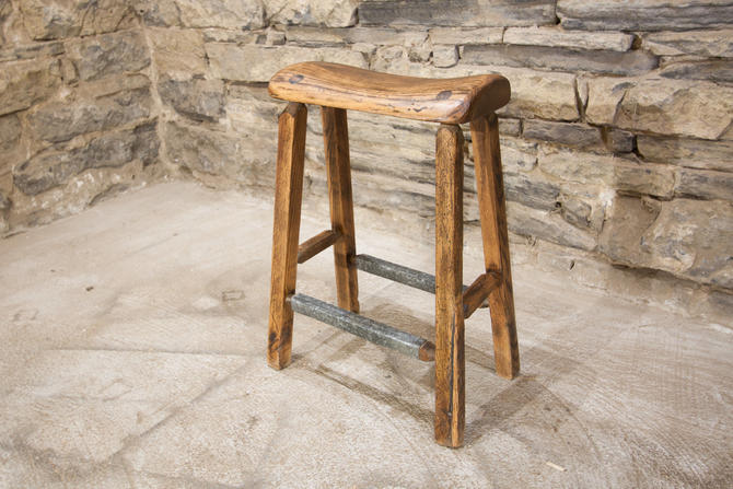 Awe Inspiring 10 Discount Bar Stool From Reclaimed Wood With Salvaged Ibusinesslaw Wood Chair Design Ideas Ibusinesslaworg