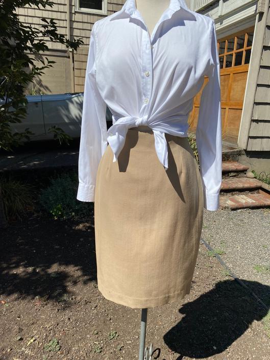 "Vintage 90's short pencil skirt~ high waist~ fine woolen knit~ camel color boho hipster size small 26"" waist by HattiesVintagePDX"