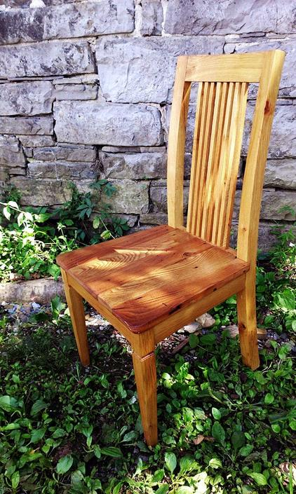 The Williamsburg Antique Oak Dining Chairs with Curved Back by BarnWoodFurniture