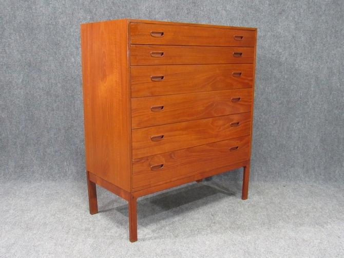 Midcentury Danish Modern Teak Dresser Chest of Drawers Dresser
